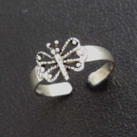Intricate butterfly toe ring